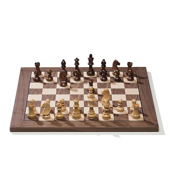 DGT e-Board Chess Computer in Walnut