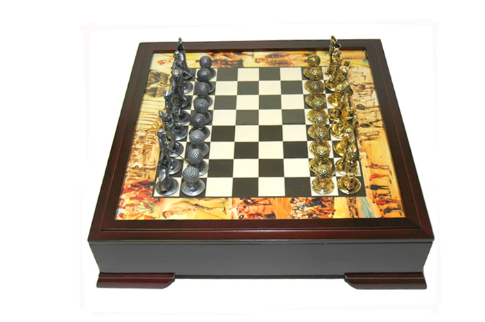 Walnut Golf Chess Set  With Metal Chessmen Pieces